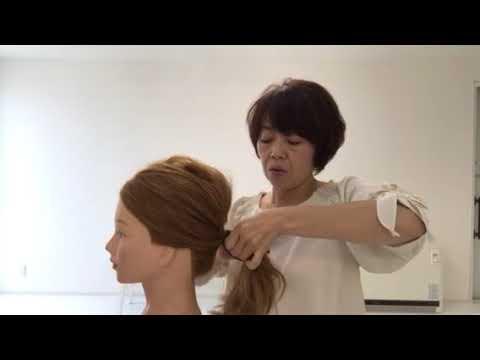 ヘアカフスを使って髪を結んだゴムを簡単に隠すやり方