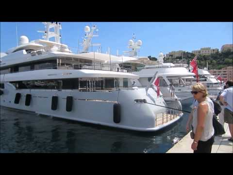 Mooring the yacht Syna in St. Tropez