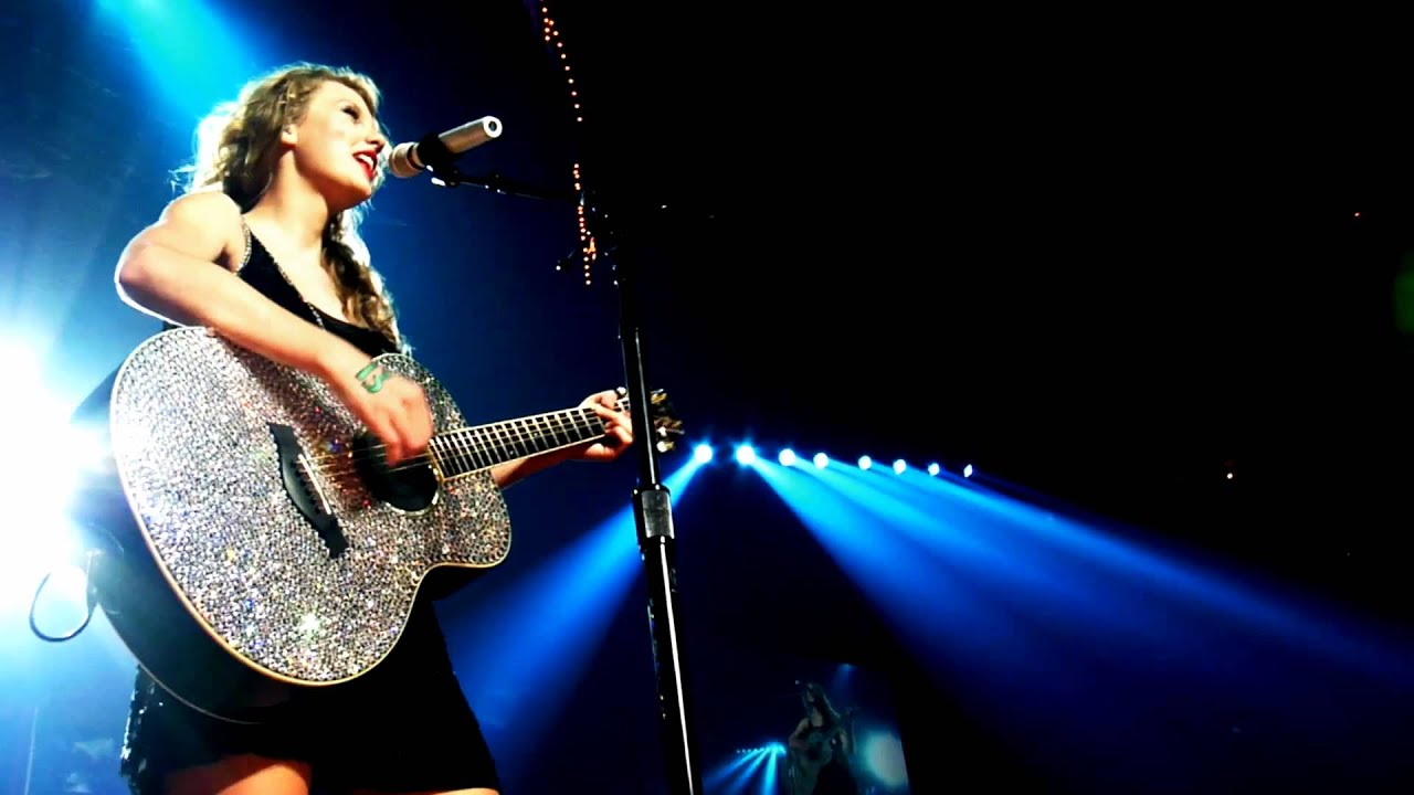 Taylor Swift ft. Paula Fernandes - Long Live (Music Video ...