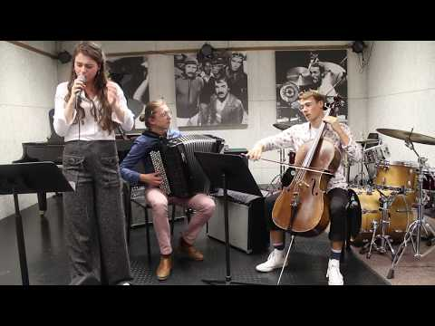 Amour T'es Là - Banda Magda Cover | Trio Dahu