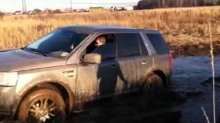 Land Rover Freelander 2 купается