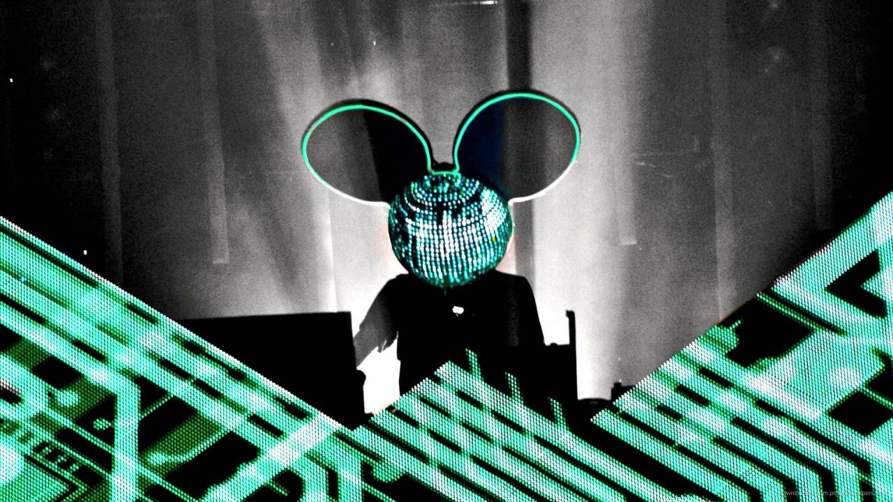The Music Video for deadmau5 and Lights'
