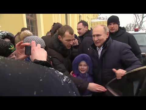 Путин успокоил плачущую