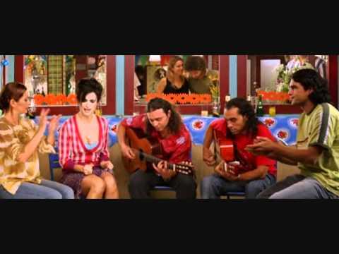 Penélope Cruz singing in movie Volver