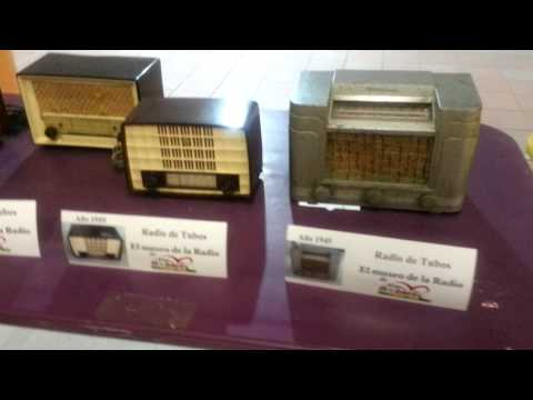 Radios antiguas. Radio de tubos