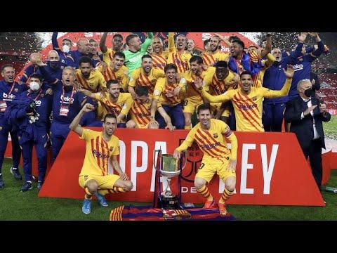 Leo Messi lifts the trophy! (BARÇA COPA DEL REY CELEBRATION) 🔵🔴
