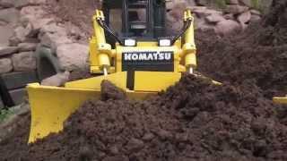 AWESOME RC DOZER KOMATSU D65WX-17 LEVELING SOIL