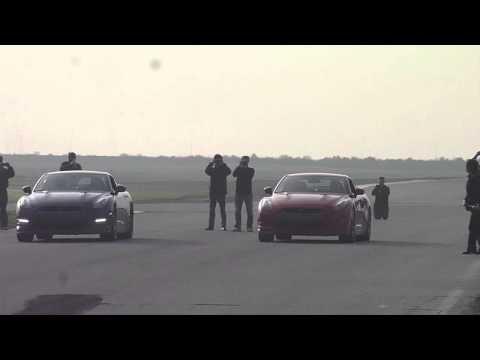 2012 Nissan GT-R Drag Race Vs. 2011 Nissan GT-R