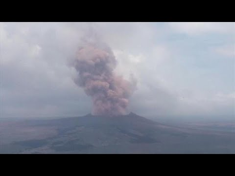 Hawaii volcano could blast fridge-sized boulders
