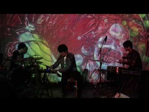 Zhang Shouwang, Wang Xu & Li Zichao - Improvised Piece for Guitar and Drums (Live at Non Plus Ultra)