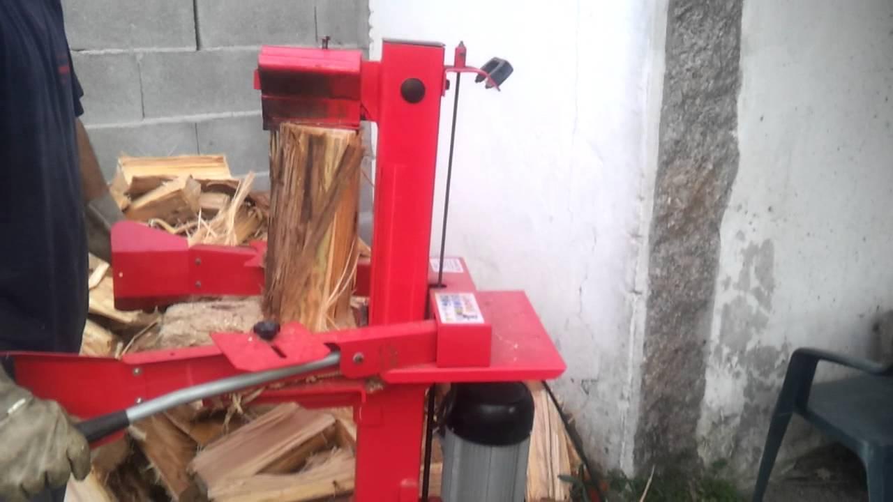 M quina electroidraulica para tronzar rachar le a youtube for Maquina de astillar lena