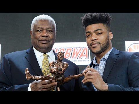 Mason wins Oscar Robertson Trophy // Kansas Basketball // 3.31.17