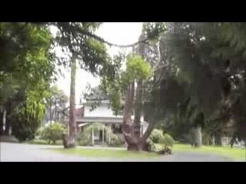 Go Twilight Forks Tour of Cullen House & Go Twilight Forks Tour of Cullen House - YouTube