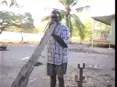Djalu Gurruwiwi making and playing a yirdaki 2004