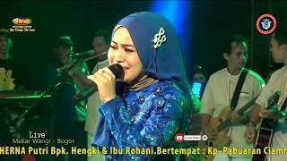 Derita Dibalik Tawa Voc By Selvi Anggraeni