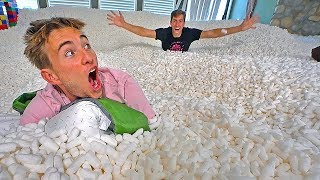 24 HOUR CHALLENGE IN 20 MILLION PACKING PEANUTS!