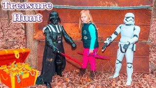ASSISTANT TREASURE HUNT Disney Lion Guard and Star Wars Surprise Treasure Toys Video Parody