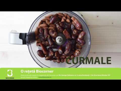 BIO GustAre - Tort raw cu citrice și căpșuni