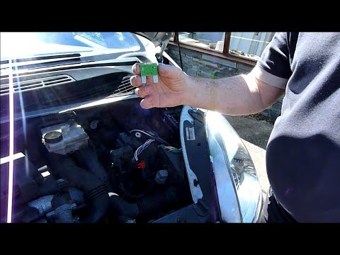 Citroen Xsara Picasso 1 6 HDi Changing Maxi fuses YouTube