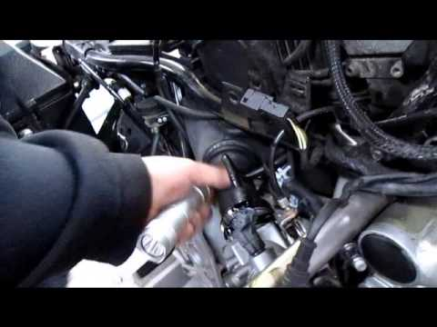 Bmw Service Throttle Cable Replacement 2004 Bmw R1150gs