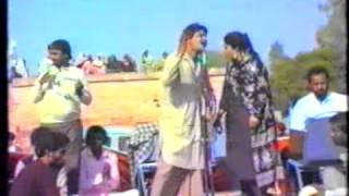 Chamkila and Amarjot - Ki Jor Gariban Da - LIVE