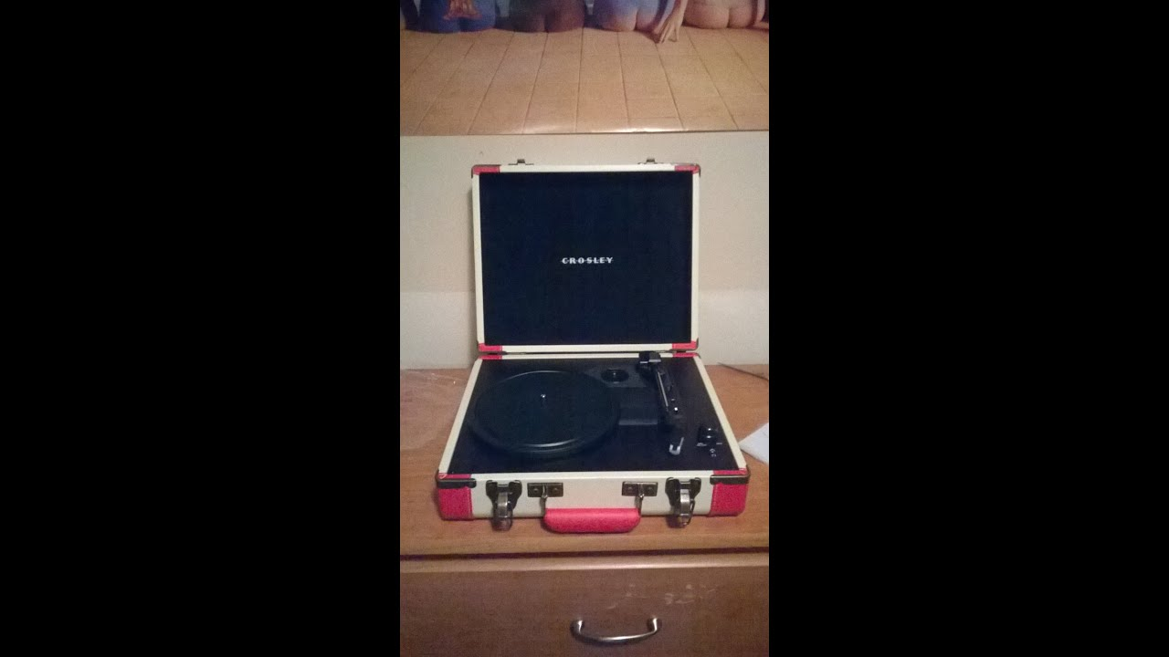 crosley executive record player review youtube. Black Bedroom Furniture Sets. Home Design Ideas