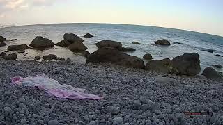 Крым. Дикий пляж. Канун Ивана Купала ветер, холодное течение (низовка), 7 июля море уже 19*С штиль