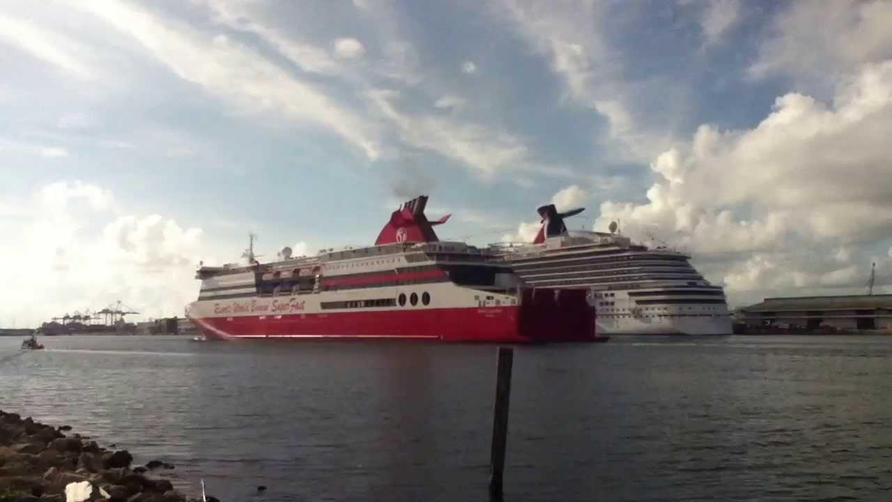 Huge Cruise Ship Resorts World Bimini SuperFast Is Passing Even - Bimini superfast cruise ship