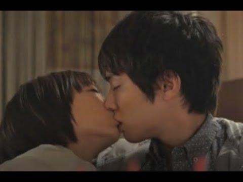 Romantic Couple Kiss 21❤ thumbnail