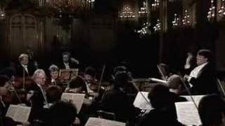 Mozart Symphony 41 K 551 - Menuetto, Allegretto -Trio