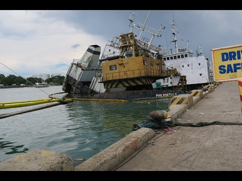 Shipwreck in the Iloilo River and spending time with Rose ~ Iloilo City, Philippines