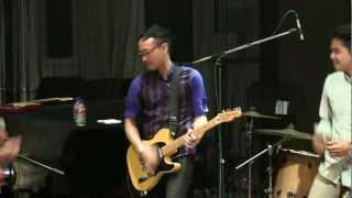 Soulvibe - Your Smile ~ Arti Hadirmu @Mostly Jazz 30/06/12 [HD]