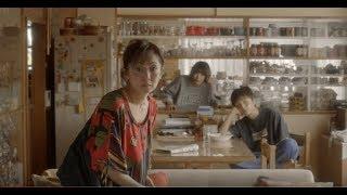 岡山天音さん、斉藤由貴さん、夏帆さんが出演されているauのCMシリーズ...