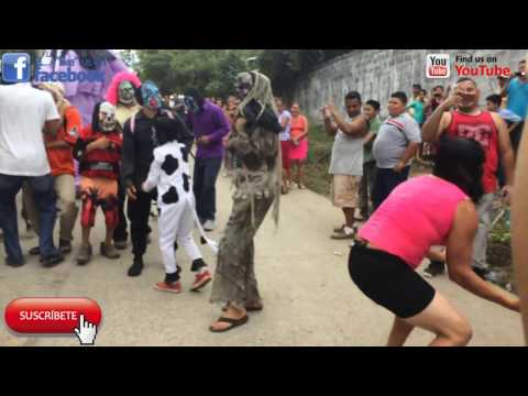 Asi De Divertido Es El Baile De La Giganta En El Salvador