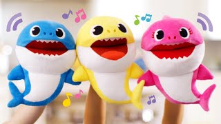 Baby Shark Puppets Sing Fast and Slow When You Move Their Mouth!