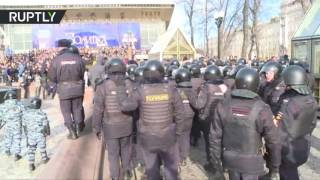 RAW: 500 people detained as anti-corruption protest hits Moscow