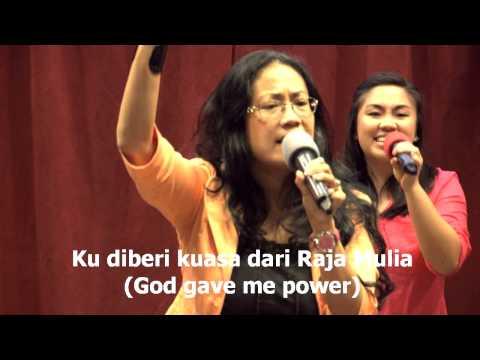Ku Dibri Kuasa, worship, led by Sandi Cleek