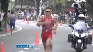 Gomez Noya vs Alistair Brownlee Srpint (wts Yokoaham 2015)