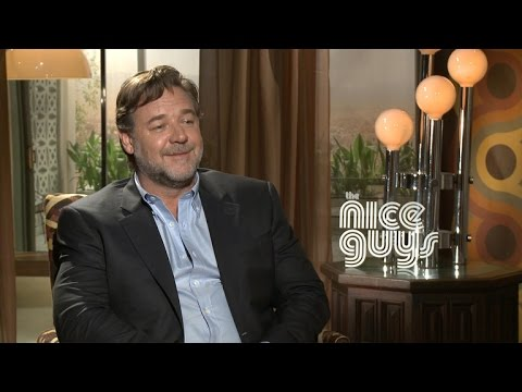 Russell Crowe Says Ryan Gosling Had to Explain 'Hey, Girl' Meme to Him: 'It Took Days'