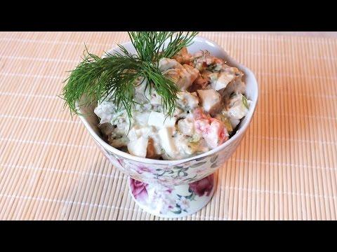 Сытный вкусный салат из картофеля и копчёной скумбрии