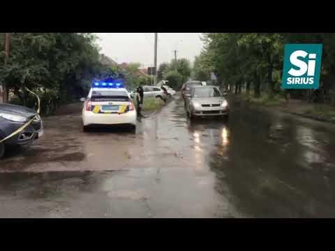 В Ужгороді обстріляли машину начальника управління захисту економіки