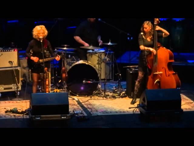 Gregg Allman - Amanda Shires - The Grand Opera House, Macon, Georgia - Jan. 10, 2015 - Part 1 of 6