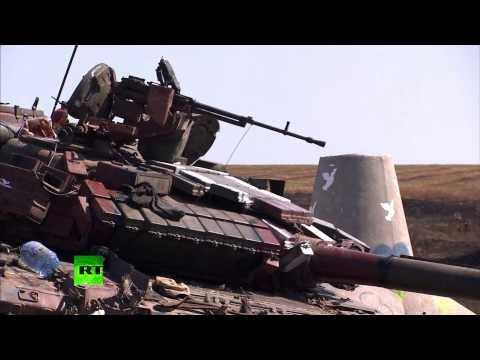 Украинский танк налетел на столб с надписью «Нет войне»