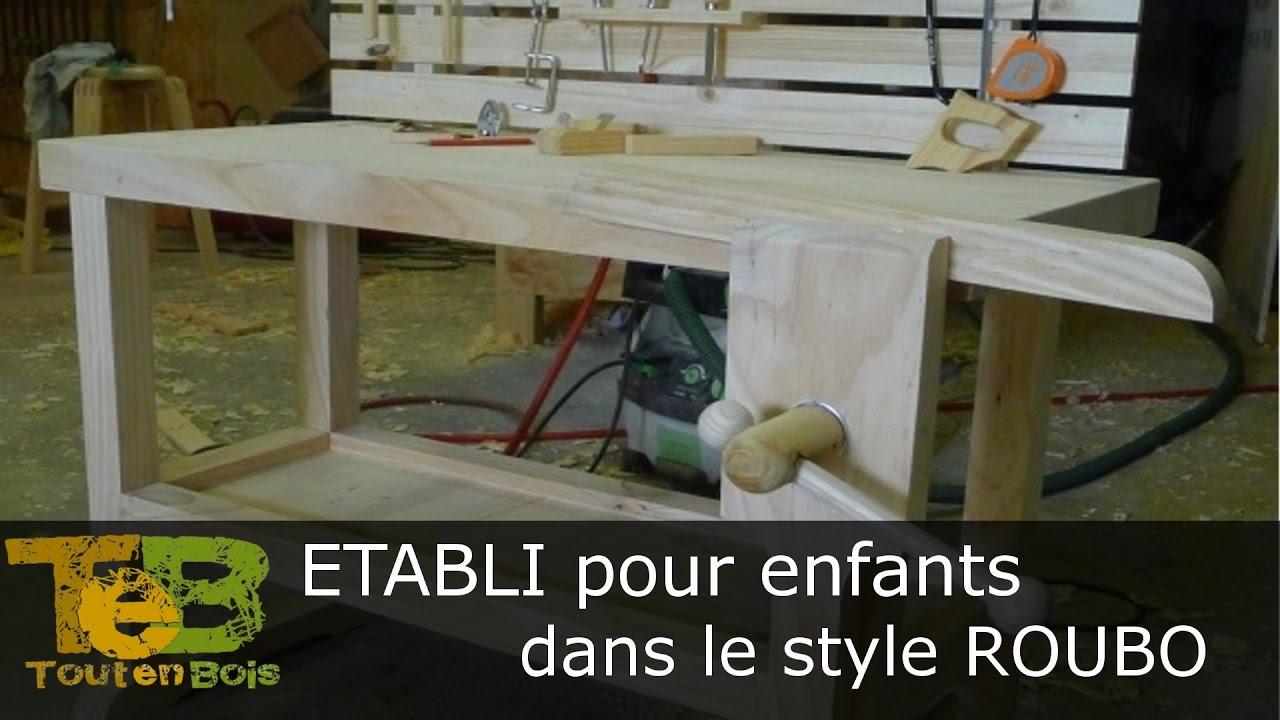 travail du bois construction d 39 un petit tabli youtube. Black Bedroom Furniture Sets. Home Design Ideas