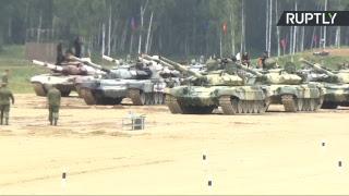 Второй день АрМИ-2017: соревнования по танковому биатлону