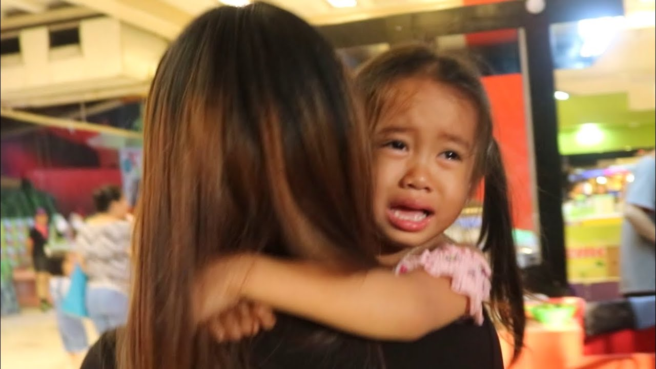 Roller Coaster Ride for Kids - Donna The Explorer Cries