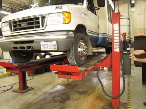 Hunter Car Lift & Alignment Machine - YouTube