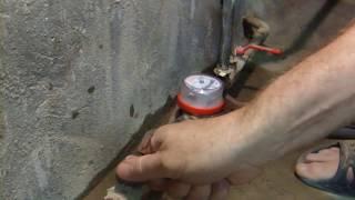 Как поменять водомер своими руками.(Покупаем водомер того же производителя, для того чтобы меньше было хлопот при замене. Закрываем входной..., 2015-07-21T15:31:55.000Z)