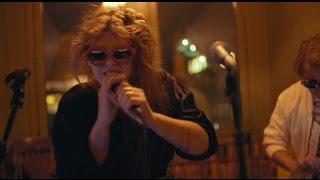 Repeat youtube video Niki & The Dove - Yakisessions #1