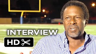 When The Game Stands Tall Interview - Thomas Carter (2014) - American Football Movie HD